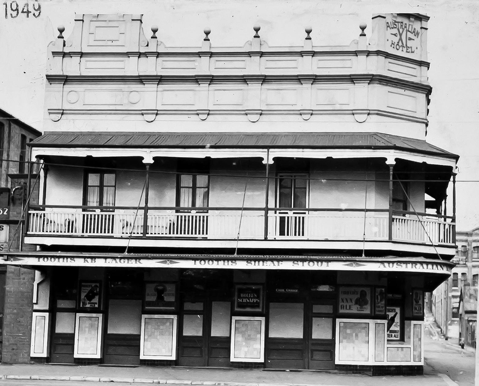 Australian eleven hotel 1949 redfern anu time gents for Crown motor inn gun hill